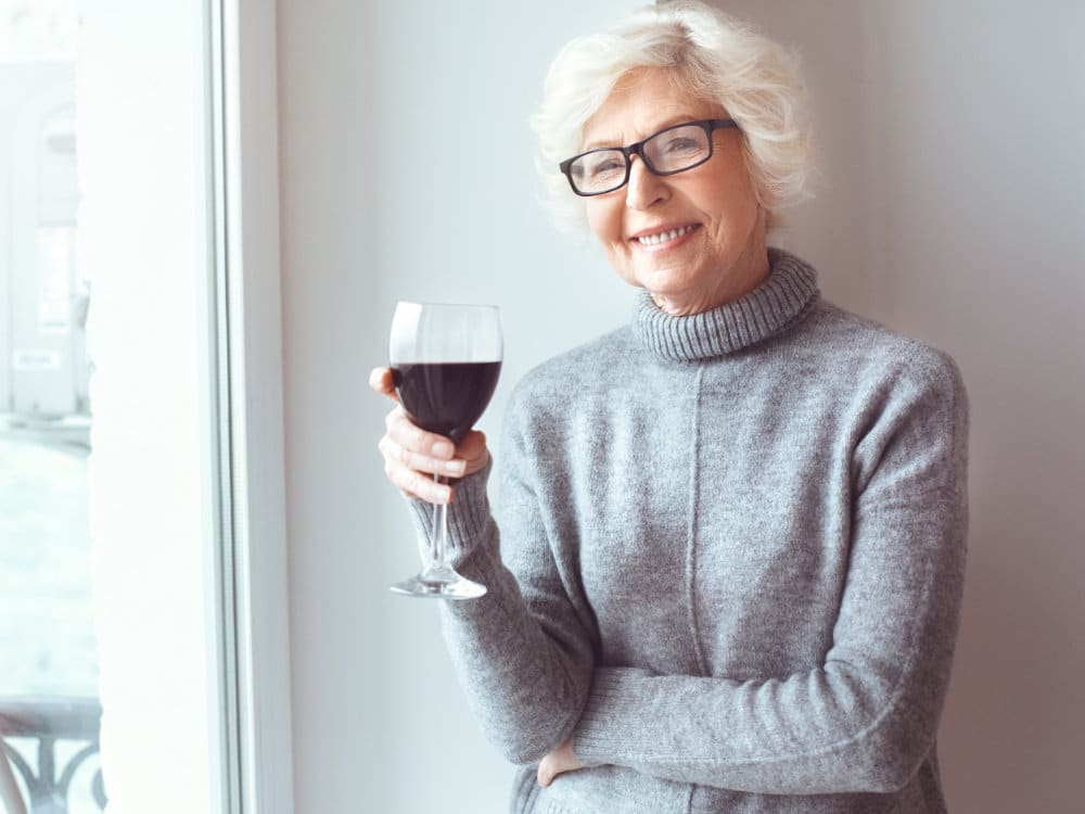 Alcohol and osteoporosis. Example of responsible wine consumption